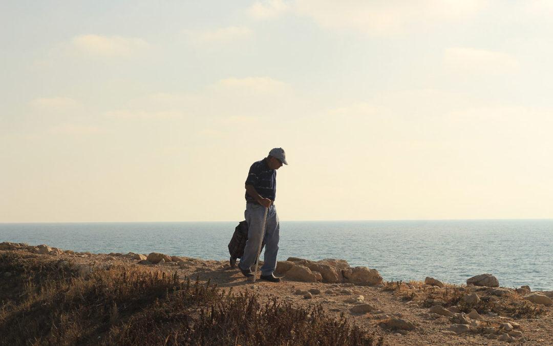 איש זקן בים – צילום של סברינה דה ריטה